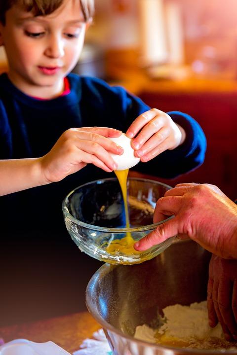 Cuisiner avec vos enfants.